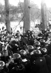 police-at-protest-5-106059-m.jpg